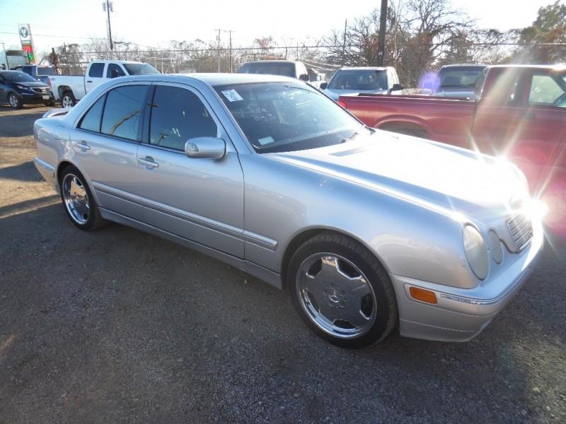 Mercedes-Benz E-Class 2001 price $3,999 Cash