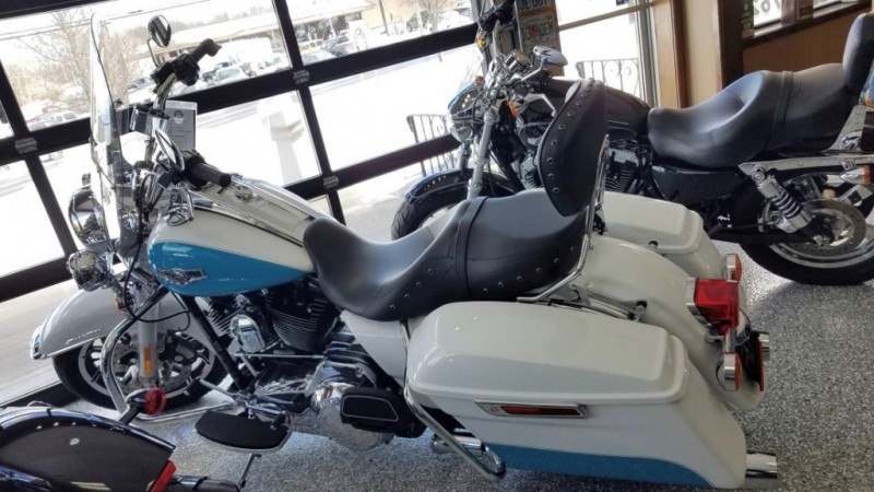 Harley-Davidson FLHR ROAD KING 2016 price $15,499