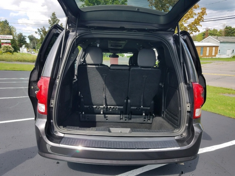 Dodge Grand Caravan 2018 price $17,999