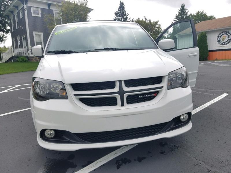 Dodge Grand Caravan 2017 price $16,999