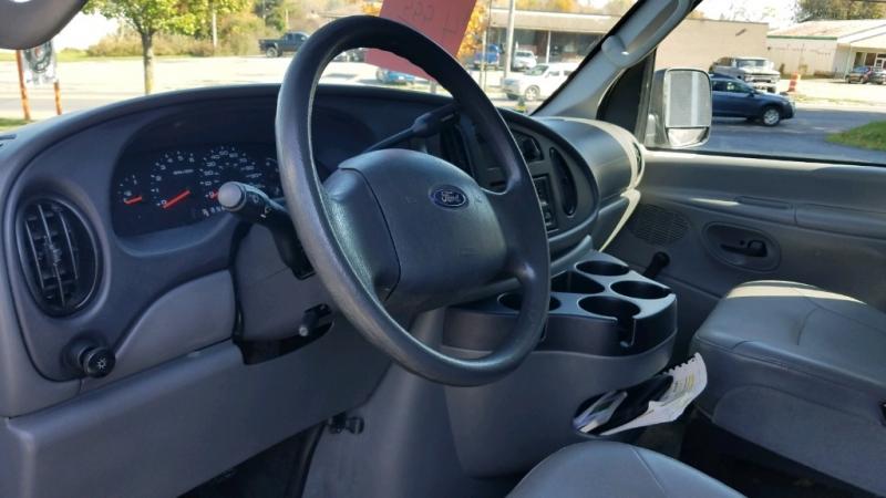 Ford E250 2006 price $4,999