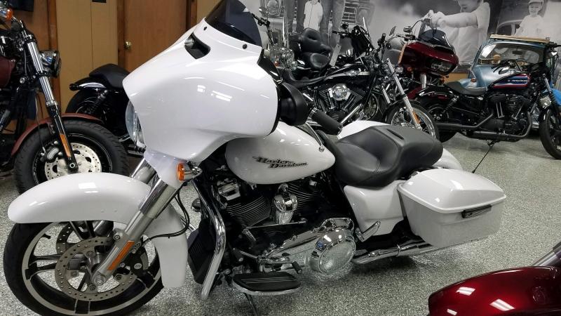 Harley-Davidson FLHXS STREET GLIDE SPECIAL 2017 price $19,999