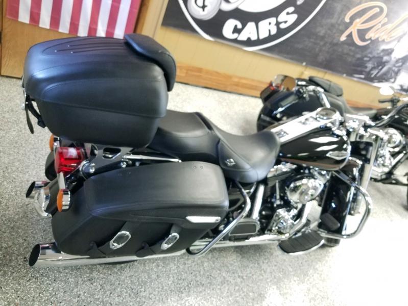 Harley-Davidson FLHRCI ROAD KING CLASSIC 2002 price $7,999