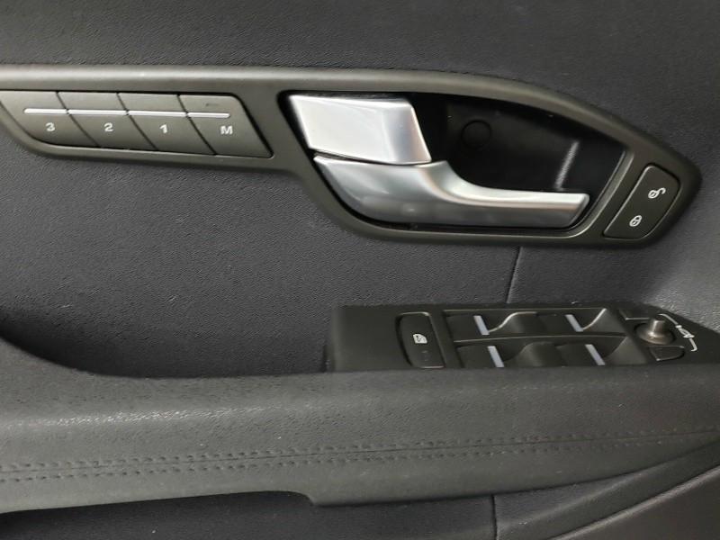 Land Rover Range Rover Evoque 2013 price $19,950