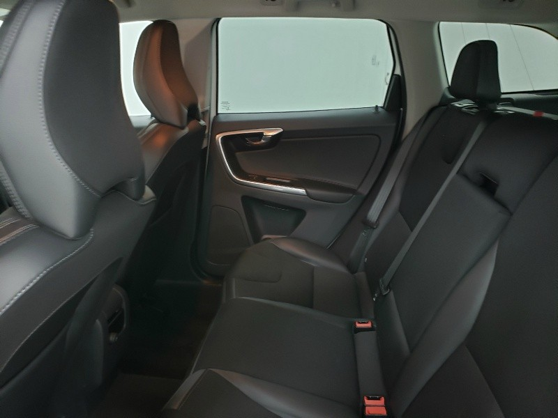 Volvo XC60 2016 price $13,850