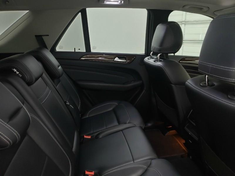 Mercedes-Benz M-Class 2012 price $18,400