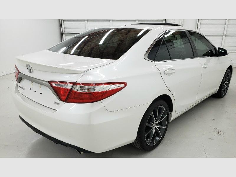 Toyota Camry 2015 price $16,590