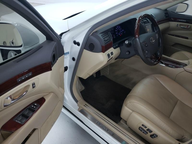 Lexus LS 460 2009 price $11,940