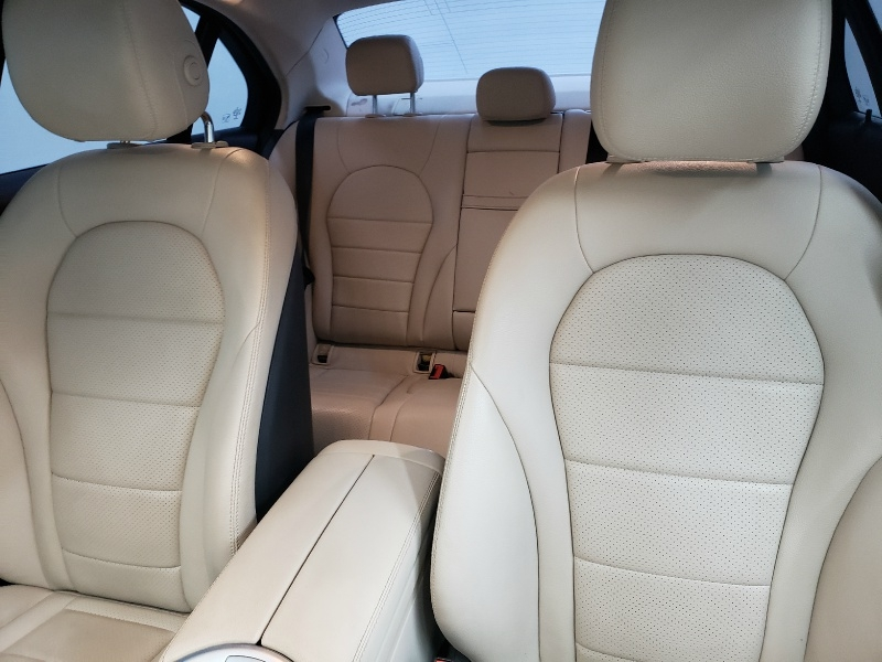 Mercedes-Benz C-Class 2015 price $18,500
