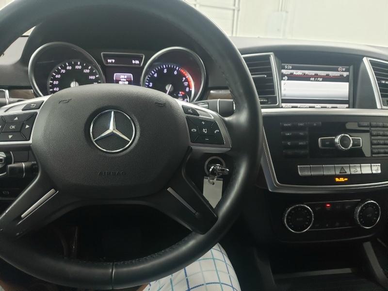 Mercedes-Benz M-Class 2015 price $21,300