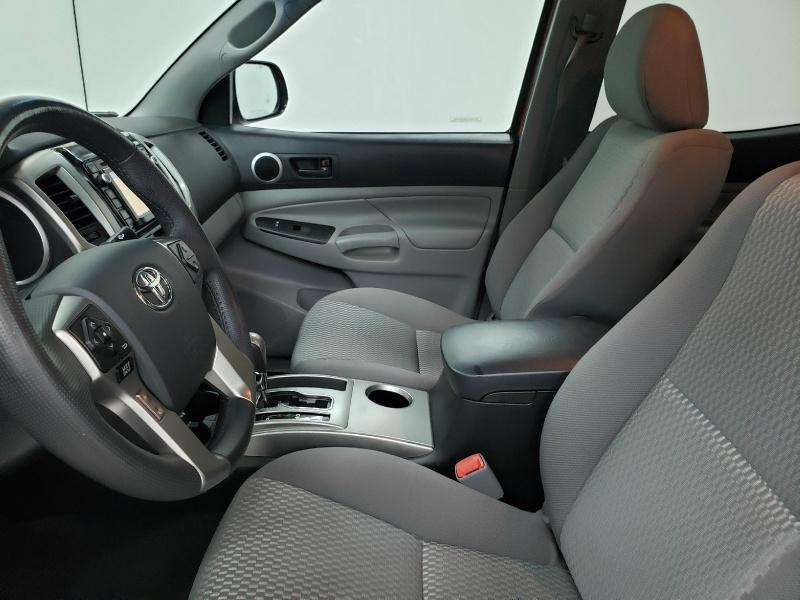 Toyota Tacoma 2015 price $24,250