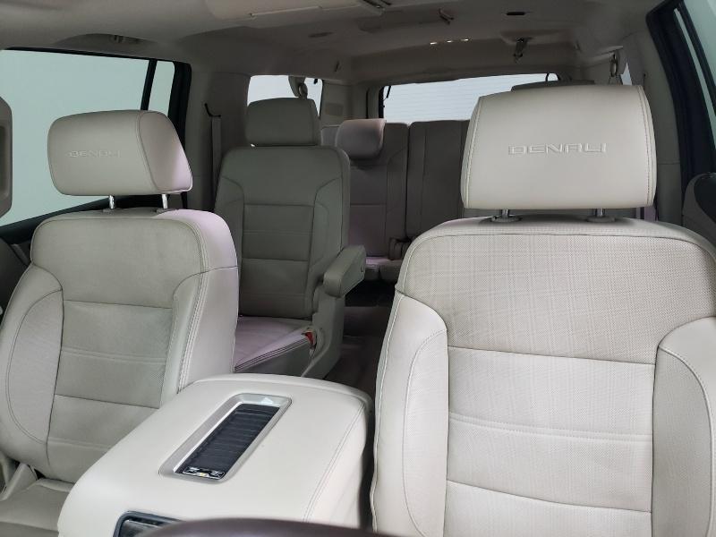 GMC Yukon XL 2015 price $33,150
