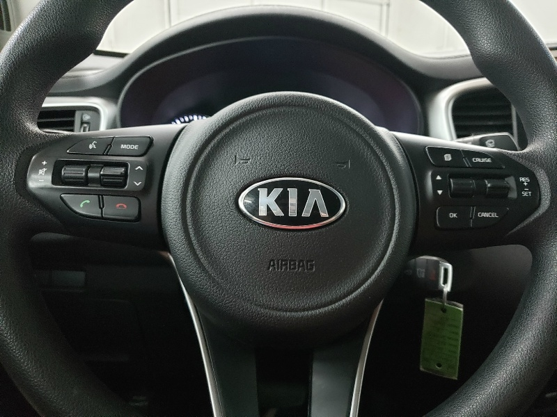 Kia Sorento 2017 price $16,250