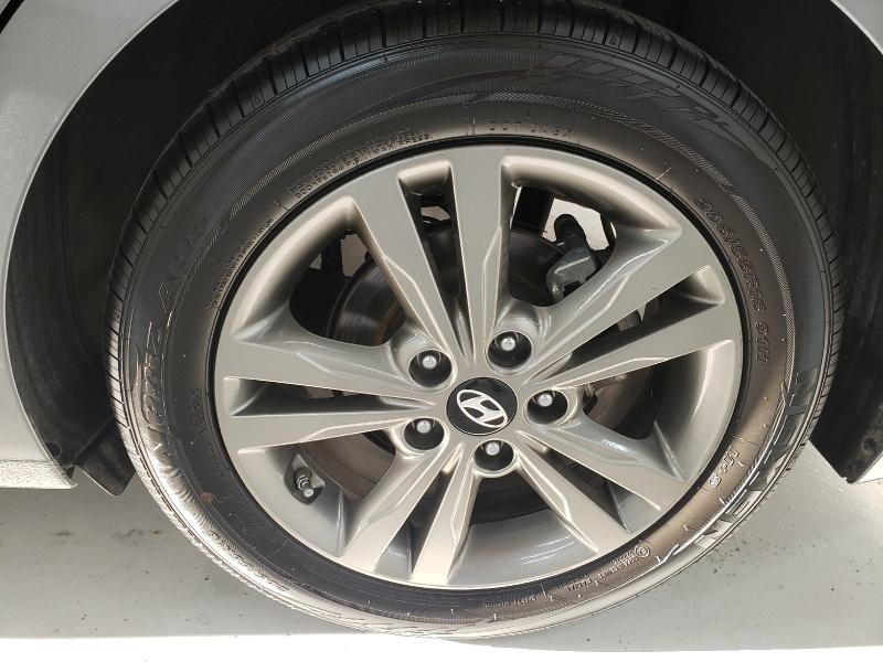 Hyundai Elantra 2018 price $13,740
