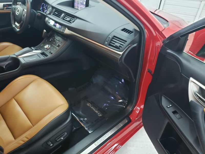 Lexus CT 200h 2016 price $18,600