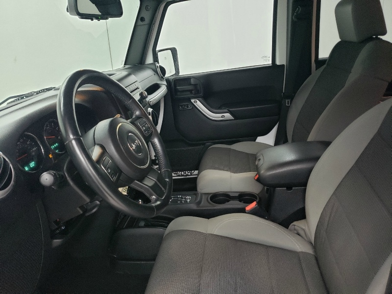 Jeep Wrangler Unlimited 2015 price $22,300