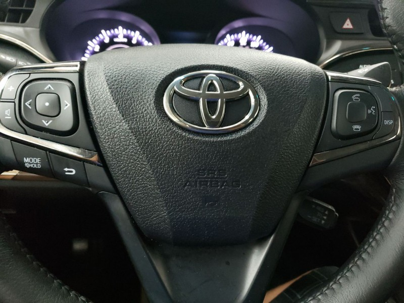 Toyota Avalon XLE 2015 price $13,990