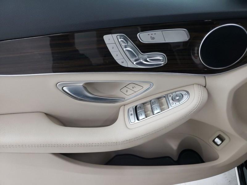 Mercedes-Benz C300 2018 price $27,550