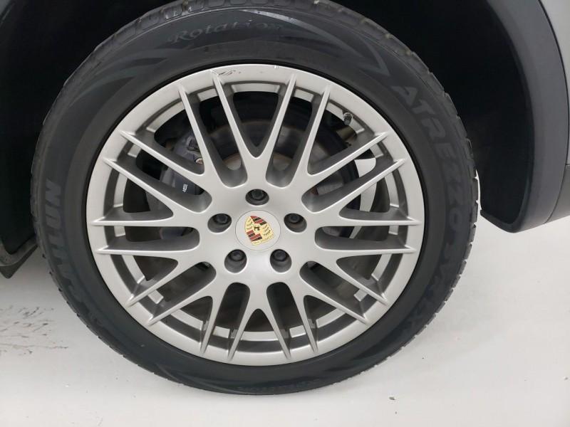 Porsche Cayenne 2014 price $24,450
