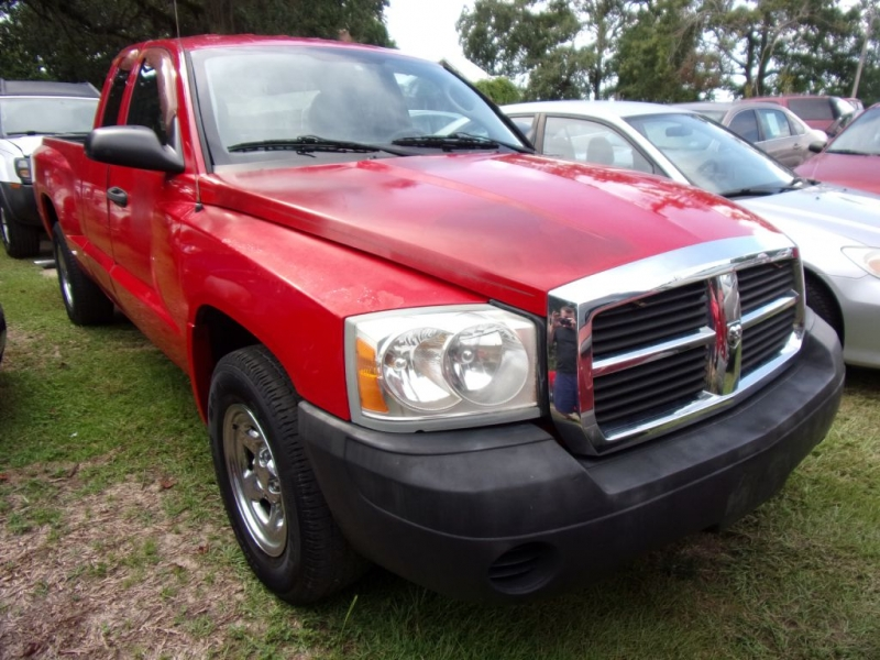 DODGE DAKOTA 2005 price $3,750