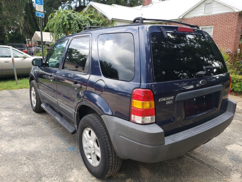 FORD ESCAPE 2004 price $2,495