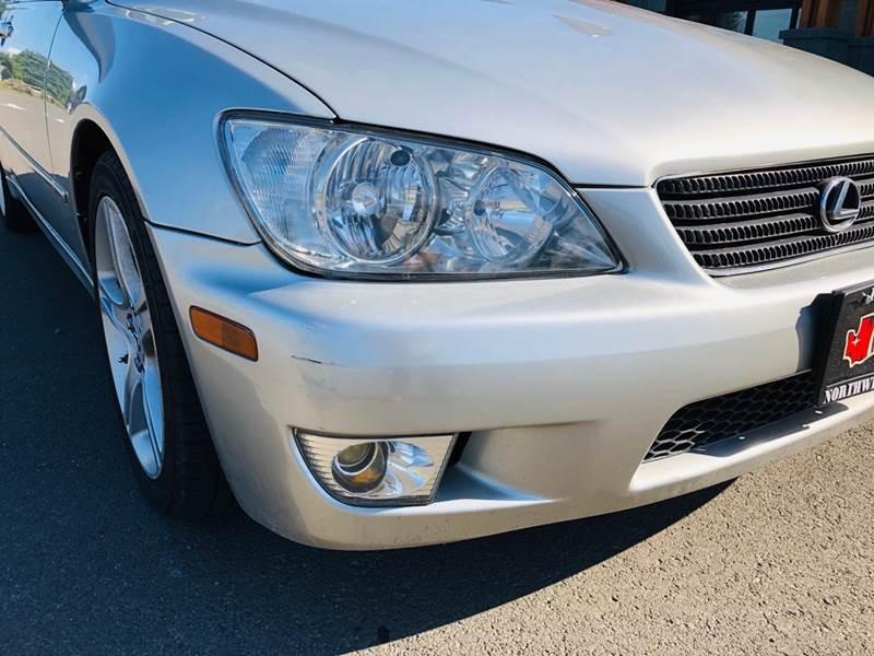 Lexus IS 300 2001 price $5,895