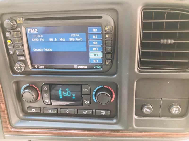 Cadillac Escalade 2003 price $7,997