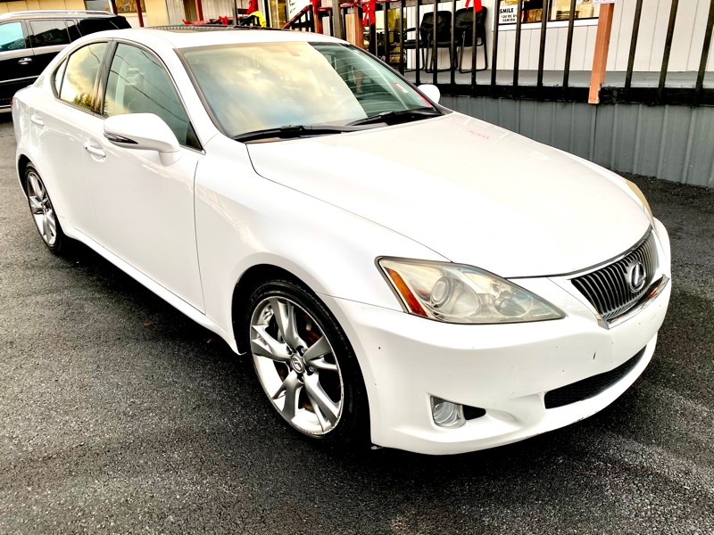 Lexus IS 250 2009 price $10,750
