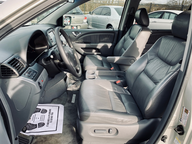 Honda Odyssey 2005 price $10,400