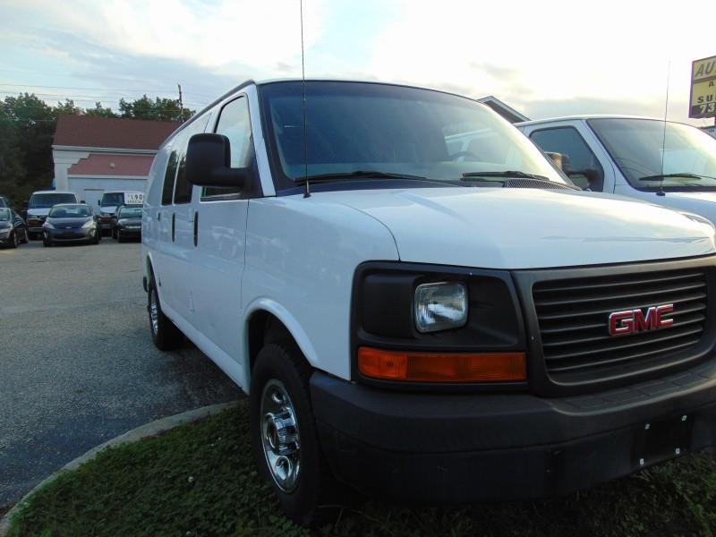 2007 GMC Savana Cargo Van