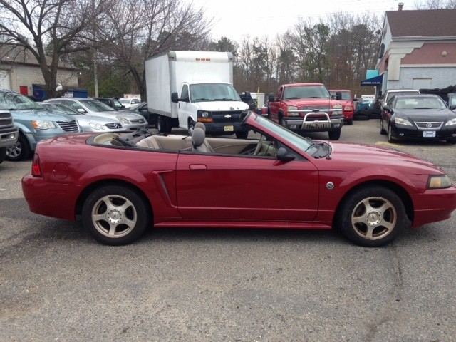 Ford Mustang 2004 price $4,411