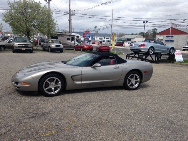 Chevrolet Corvette 2001 price $20,988