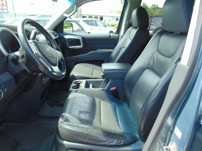 Honda Ridgeline 2006 price $8,988
