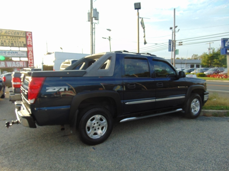 Chevrolet Avalanche 2006 price $10,995