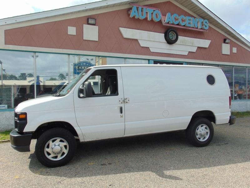 Ford Econoline Cargo Van 2010 price $10,988