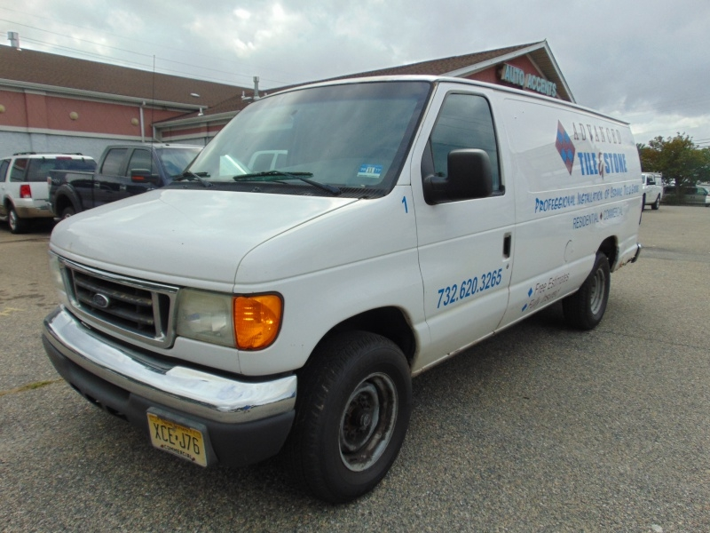 Ford Econoline Cargo Van 2006 price $1,200 Cash
