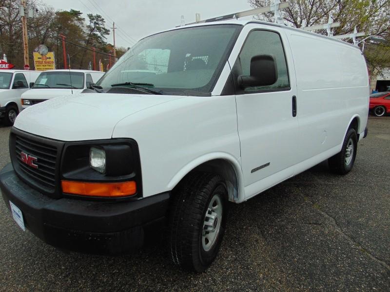 2006 GMC Savana Cargo Van