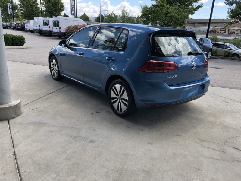 Volkswagen e-Golf 2016 price $20,986