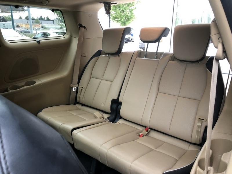 Kia Sedona 2017 price $30,858