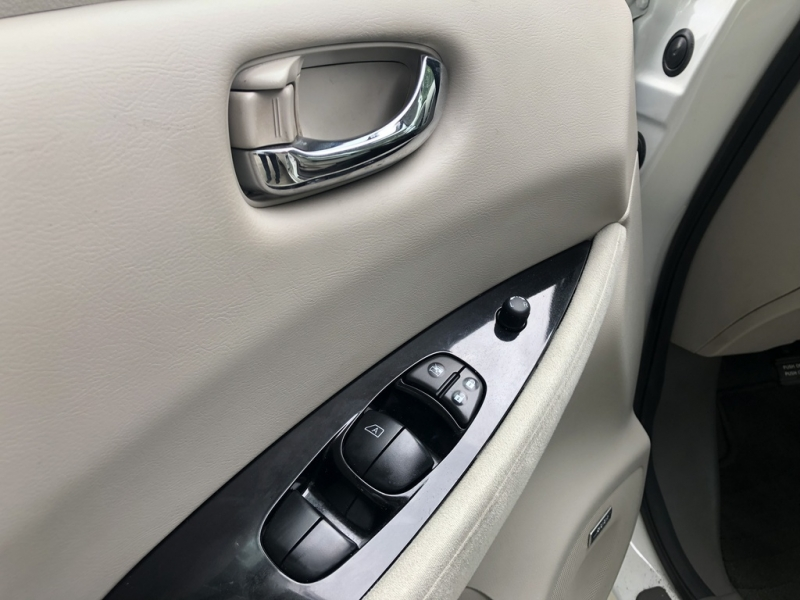 Nissan LEAF 2016 price $21,586