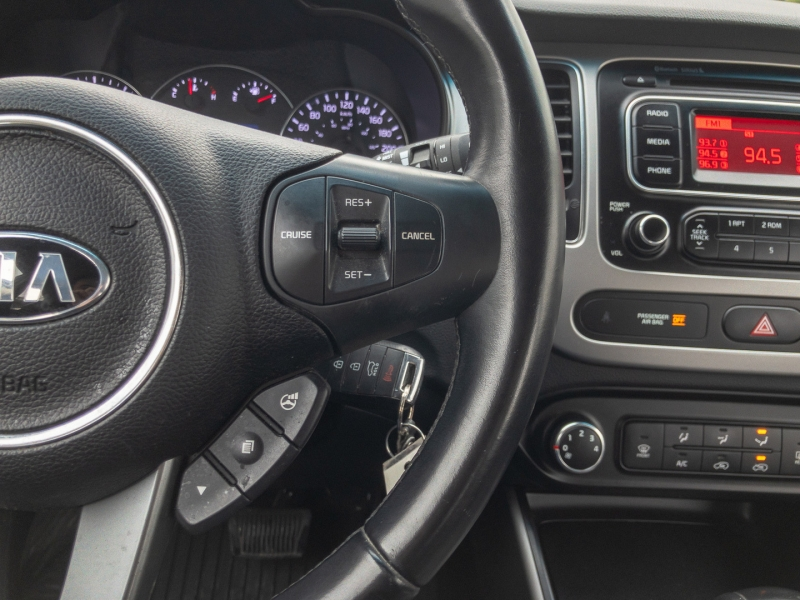 Kia Rondo 2014 price $7,882