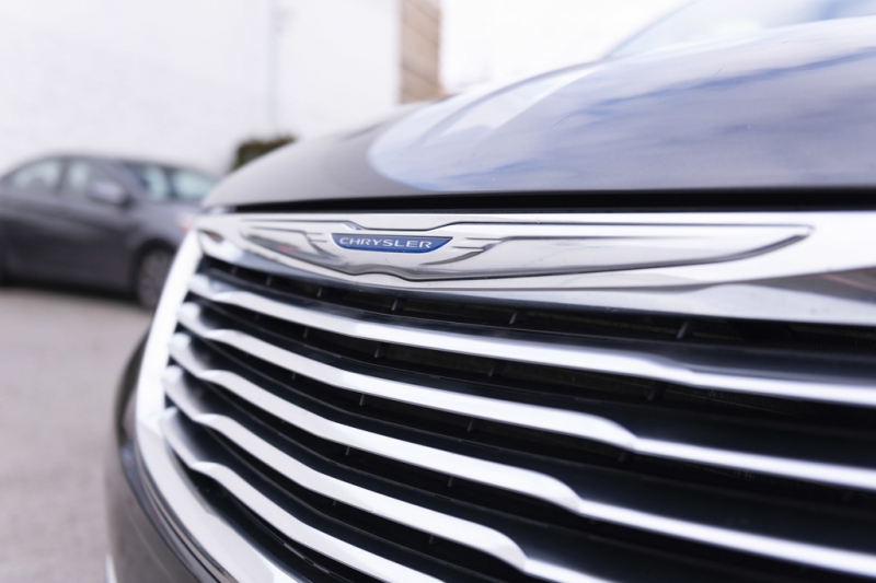 Chrysler Town & Country 2015 price $15,445