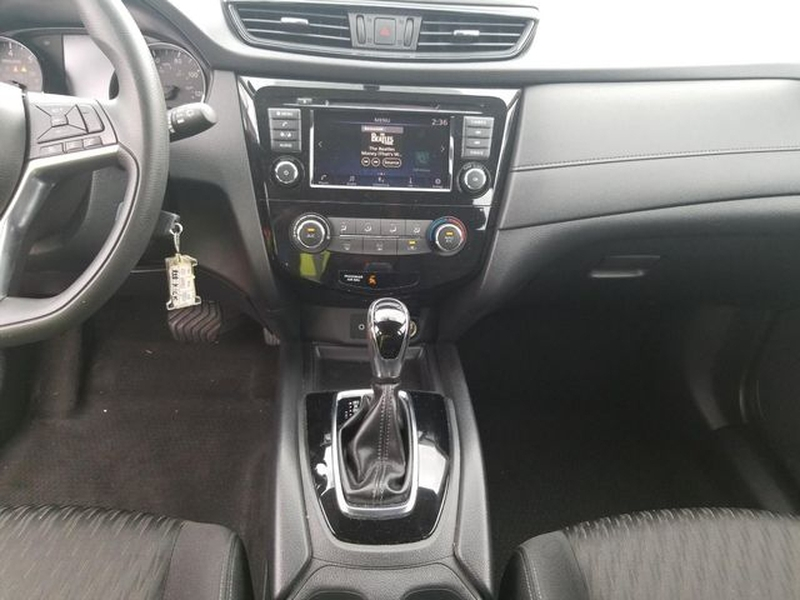Nissan Rogue 2018 price $16,995