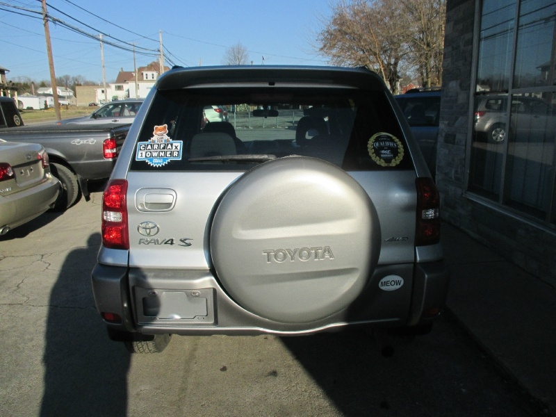 Toyota RAV4 2004 price $5,495