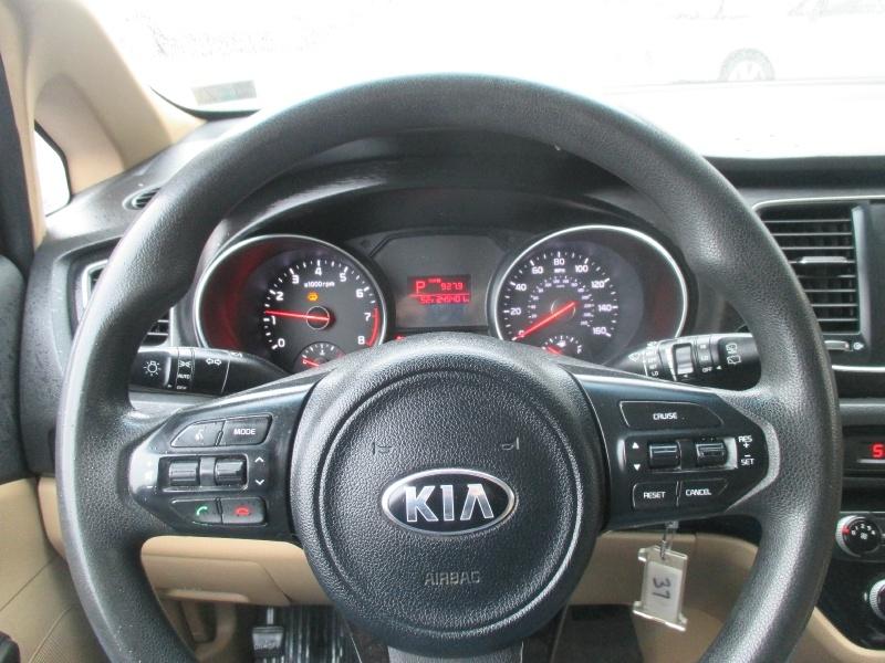 Kia Sedona 2015 price $5,995