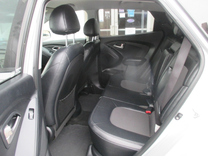 Hyundai Tucson 2012 price $6,250