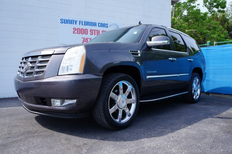 Cadillac Escalade 2010 price $17,900 Cash