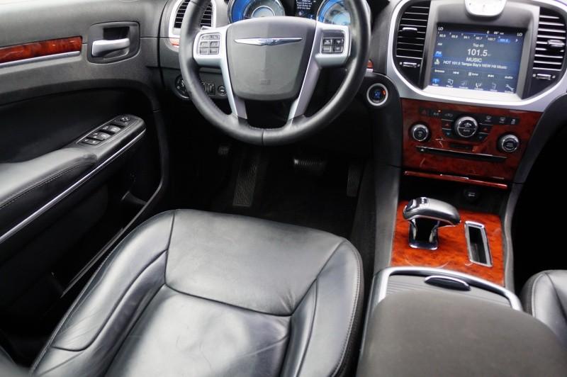 Chrysler 300 2012 price $10,900 Cash