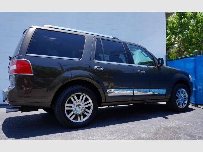 Lincoln Navigator 2008 price $11,900