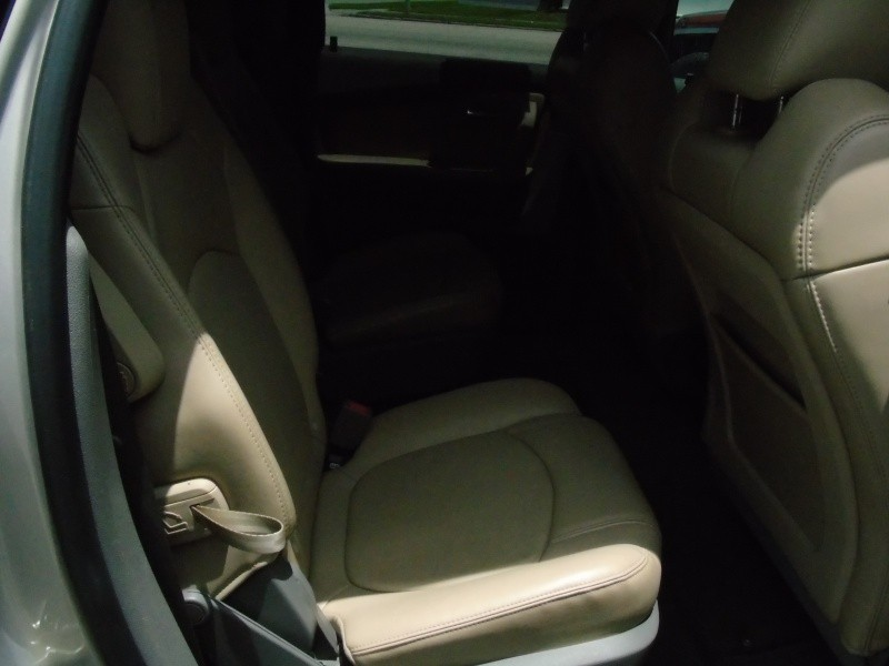 Chevrolet Traverse 2010 price $8,900